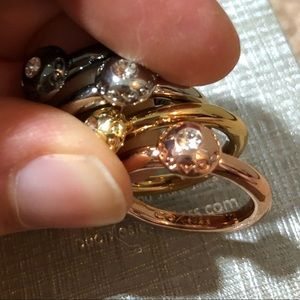 4 Coach rings
